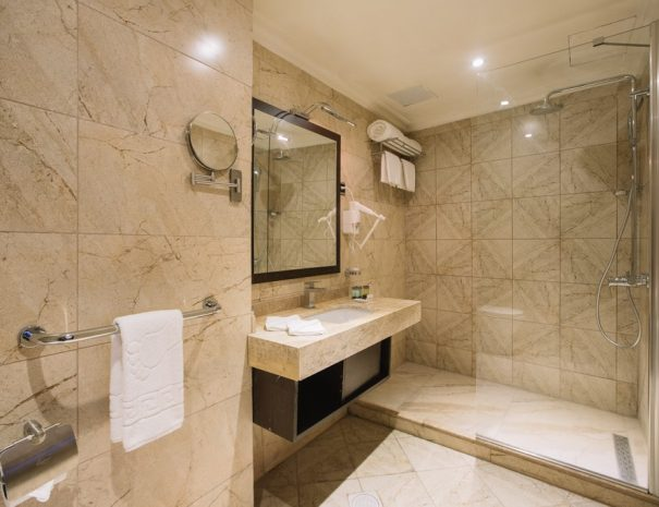 BW Addis Ababa Suite room shower